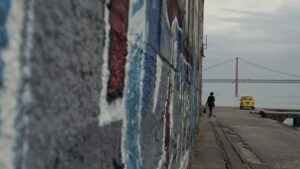 Silêncio – Voices of Lisbon, de Judit Kalmár, Céline Coste Carlisle – Outros Olhares (2020)